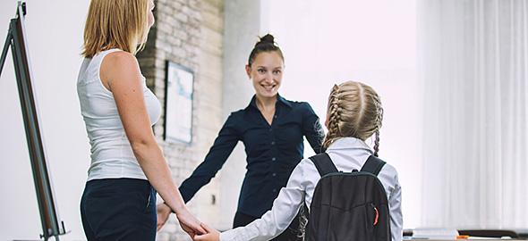 Τι να κάνετε όταν βγαίνετε με ένα κορίτσι στο γυμνάσιο