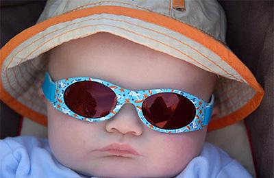 44ea2a3a85 Αγοράζετε γυαλιά ηλίου αποκλειστικά από καταστήματα οπτικών. Τα γυαλιά ηλίου  που πωλούνται σε καταστήματα παιδικών ρούχων και παιχνιδιών