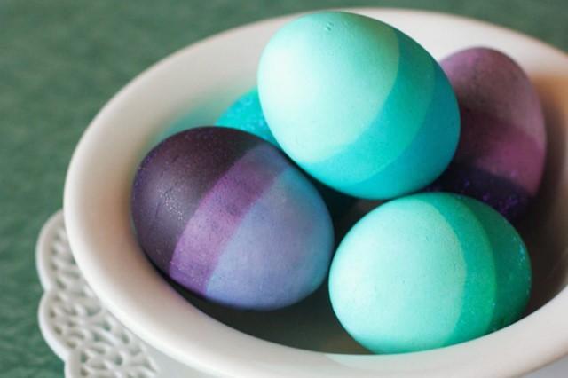 Βάψτε τα αυγά σας με λουλούδια και φυλλαράκια 73a73a51a51