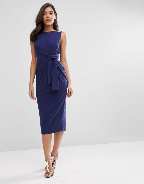 8060d01d807 Αναδείξτε τις καμπύλες σας με ένα μεσάτο φόρεμα από την Asos