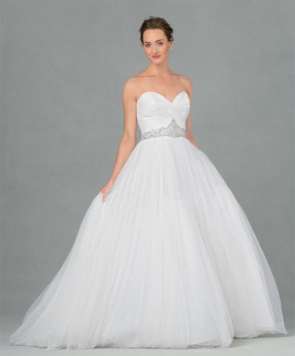 Wedding Gowns For Hourglass Figures: Πώς να διαλέξετε το τέλειο νυφικό για το σώμα σας