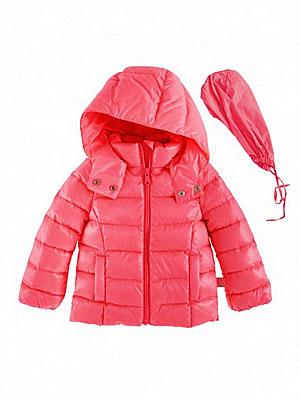 Το πιο ευκολοφόρετο μπουφάν στο πιο φωτεινό χρώμα για κορίτσια! Είναι από  100% nylon και εντελώς αδιάβροχο. Για τις μη βροχερές ημέρες η κουκούλα  αποσπάται. 34fdf1b815c