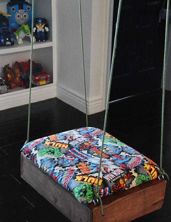 90fa9422c539 Φέρτε την παιδική χαρά στο παιδικό δωμάτιο με μια αυτοσχέδια κούνια.  Αρχικά