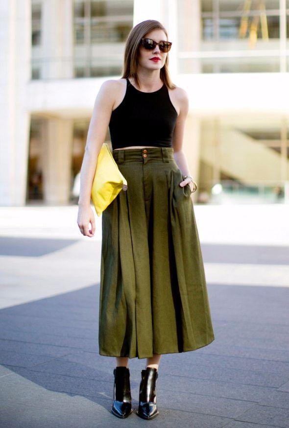 Οι μακριές φούστες δεν είναι μόνο για γυναίκες που διαθέτουν ύψος μοντέλου.  Αντίθετα 41b88466952