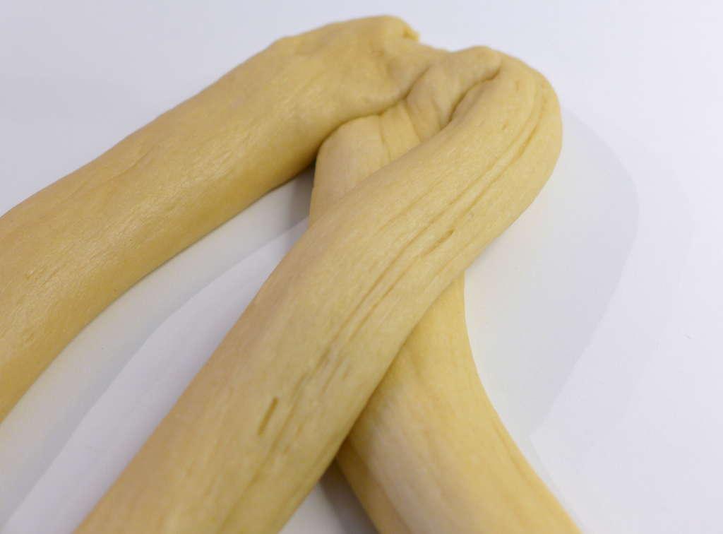 Πώς να φτιάξετε αφράτο πασχαλινό τσουρέκι-Οδηγίες Βήμα-Βήμα