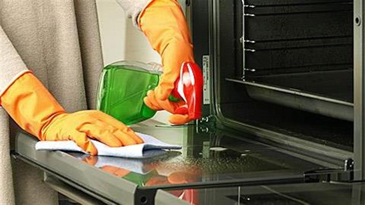 Πώς θα καθαρίσετε τον φούρνο αποτελεσματικά και... οικολογικά!