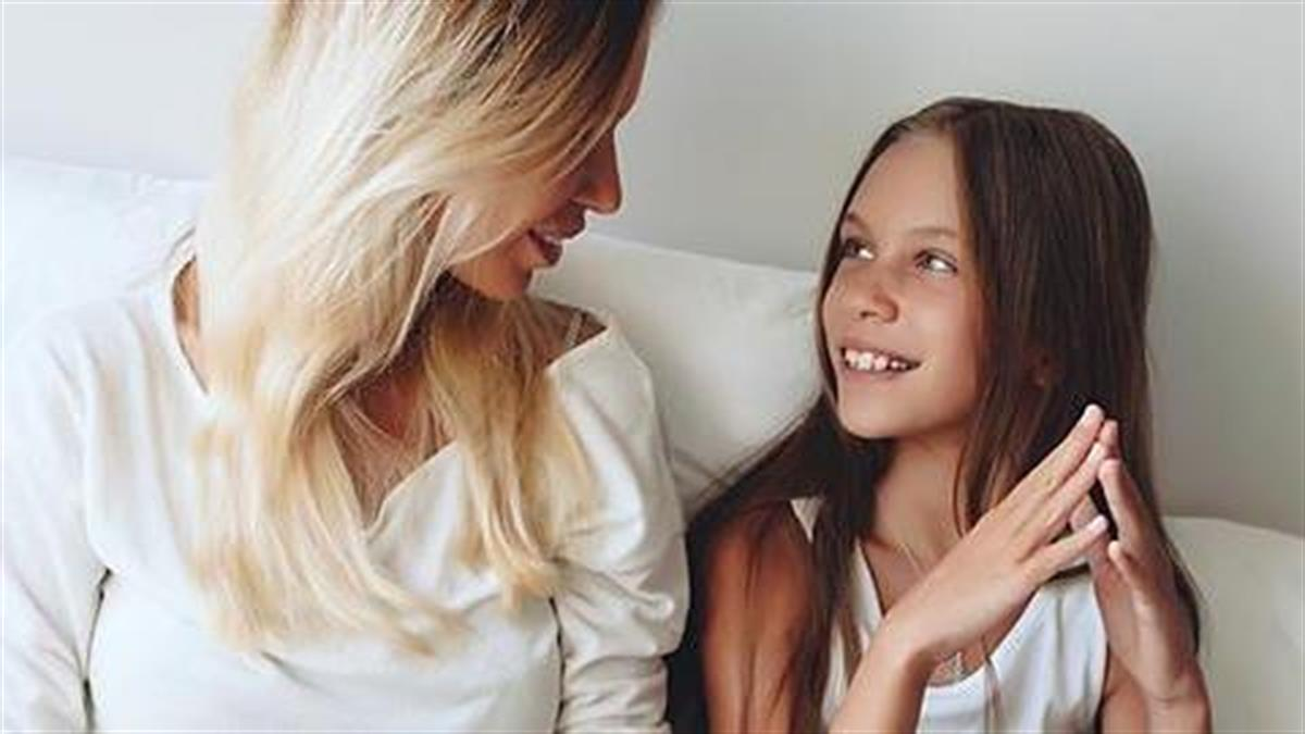 Πώς να μιλήσετε στην κόρη σας για την περίοδο