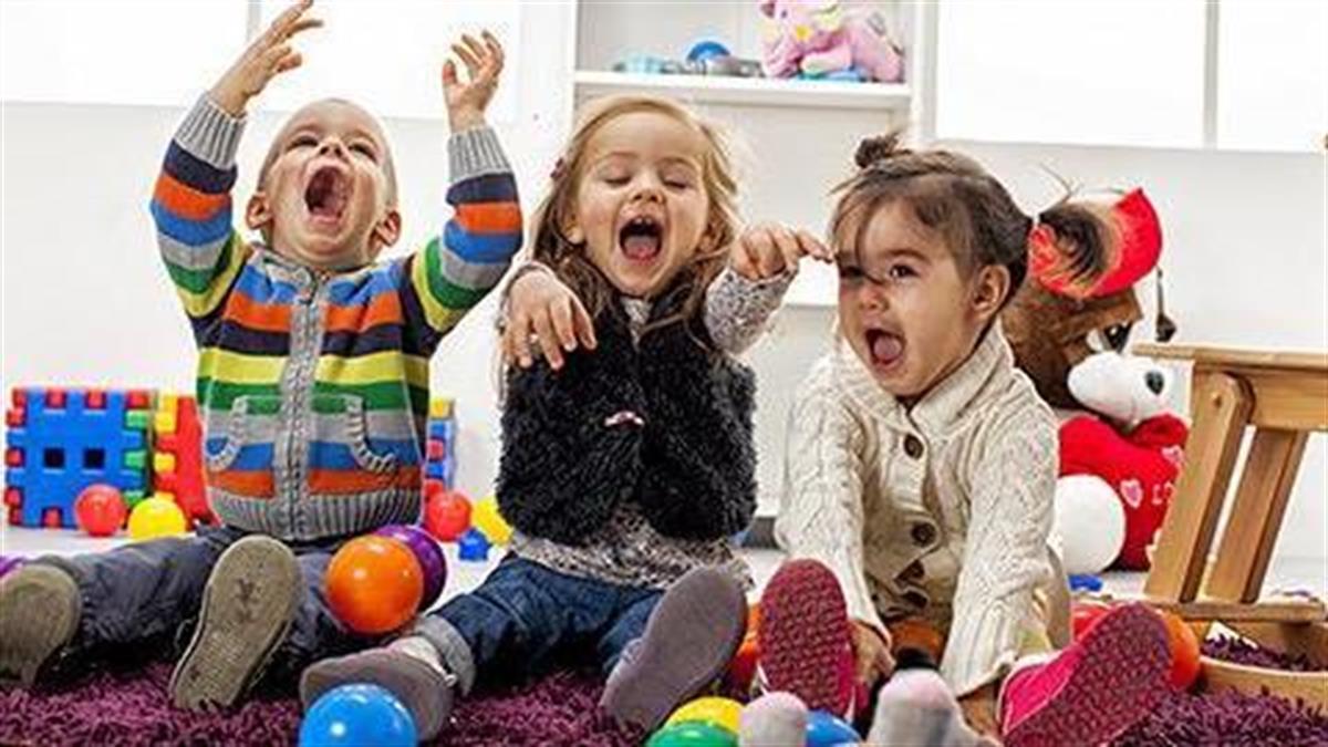 Να εκπαιδεύετε τα παιδιά με παιχνίδια και όχι με φορτωμένο από δραστηριότητες πρόγραμμα