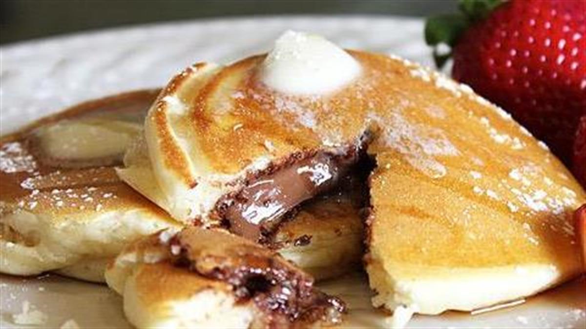 Συνταγές για παιδιά: γεμιστές τηγανίτες και γλυκές και αλμυρές!