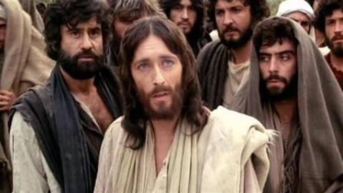 Κουίζ: Πόσο καλά γνωρίζεις τη σειρά που μας καθήλωνε κάθε Πάσχα, τον «Ιησού από τη Ναζαρέτ»;