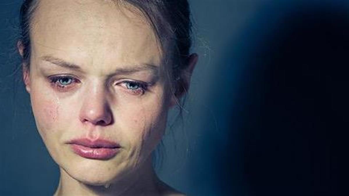 «Δεν πειράζει να κλαις πού και πού όταν είσαι μαμά...»