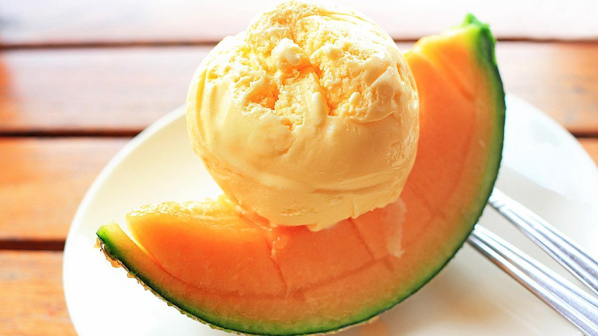 Πανεύκολο παγωτό πεπόνι, χωρίς παγωτομηχανή!