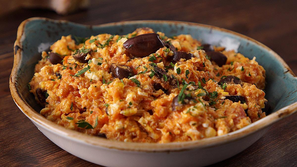 Πεντανόστιμος καγιανάς: τα ελληνικά scrambled eggs!