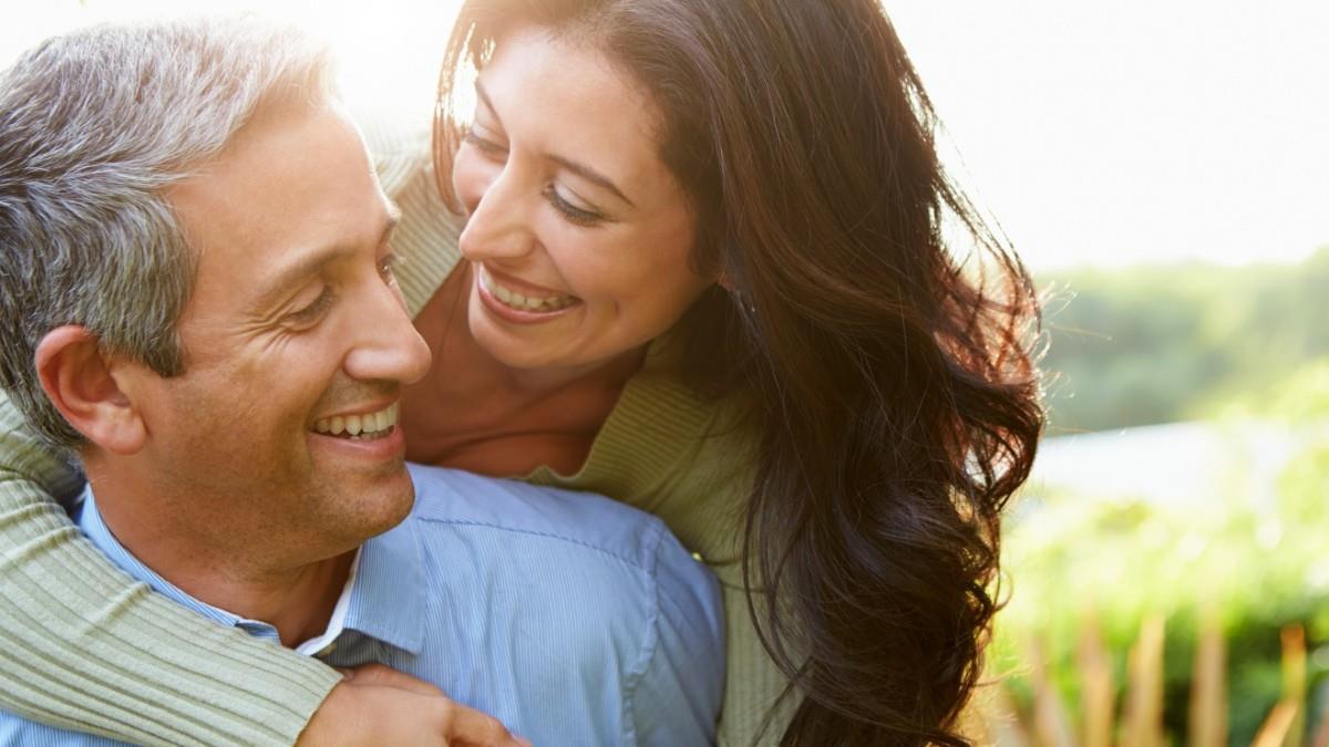 Πώς να ανανεώσετε τη σχέση σας όσο τα παιδιά λείπουν στο χωριό