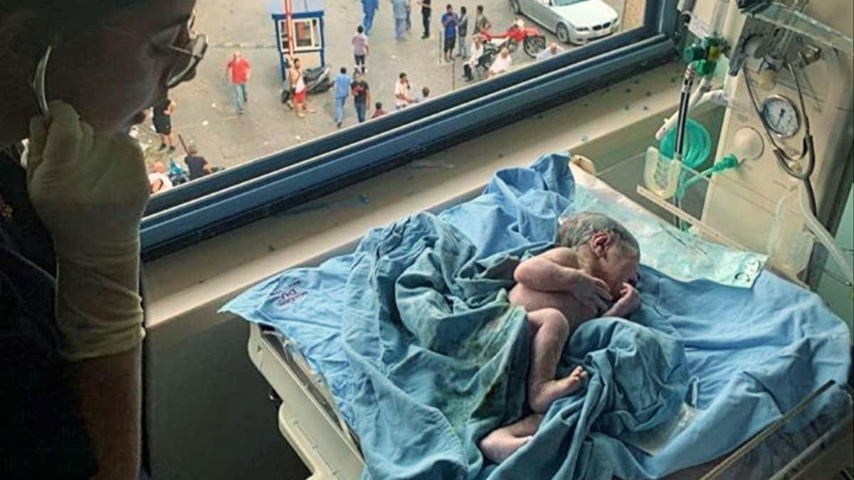 Βηρυτός: γυναίκα γέννησε ενώ το δωμάτιο είχε γίνει συντρίμμια απ' την έκρηξη