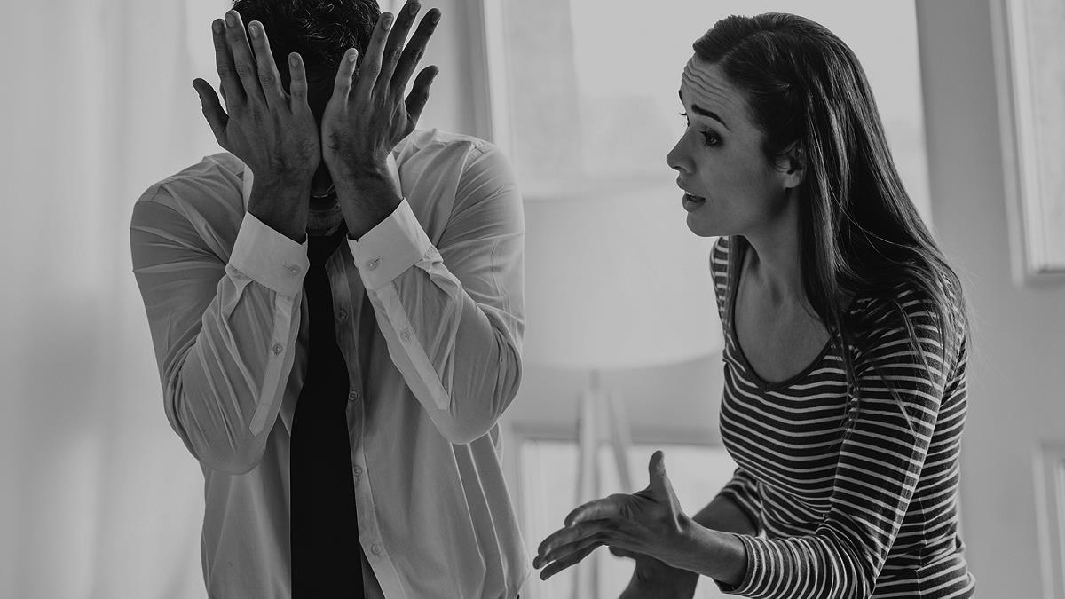 5 σημάδια ότι ο σύντροφός σας είναι συναισθηματικά ανώριμος