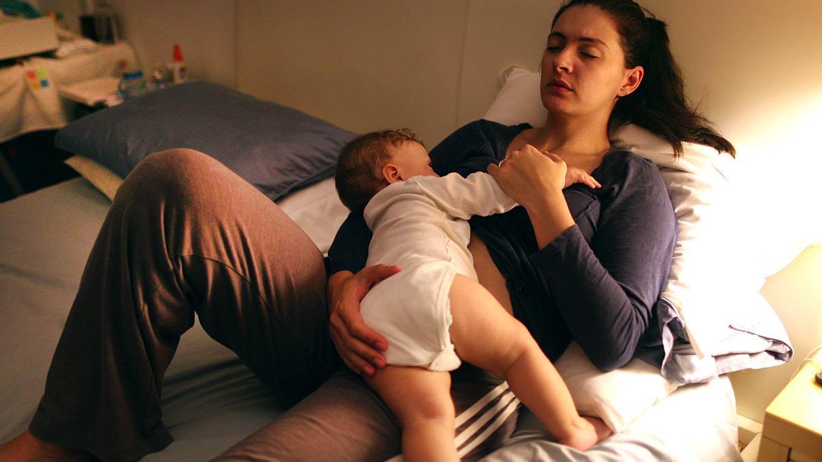 Να βοηθάτε τις κουρασμένες μαμάδες ακόμη κι αν δεν το ζητούν