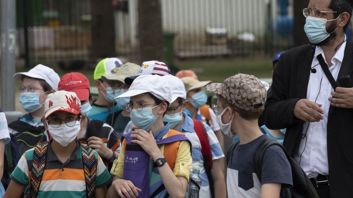 Κορονοϊος: Υποχρεωτική χρήση μάσκας και την ώρα του διαλείμματος στα σχολεία που είναι στο επίπεδο 3 και 4