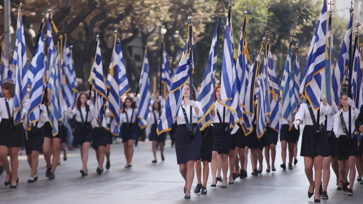 28η Οκτωβρίου:Με σημαιοφόρους αλλά χωρίς παρελάσεις ο εορτασμός στα σχολεία