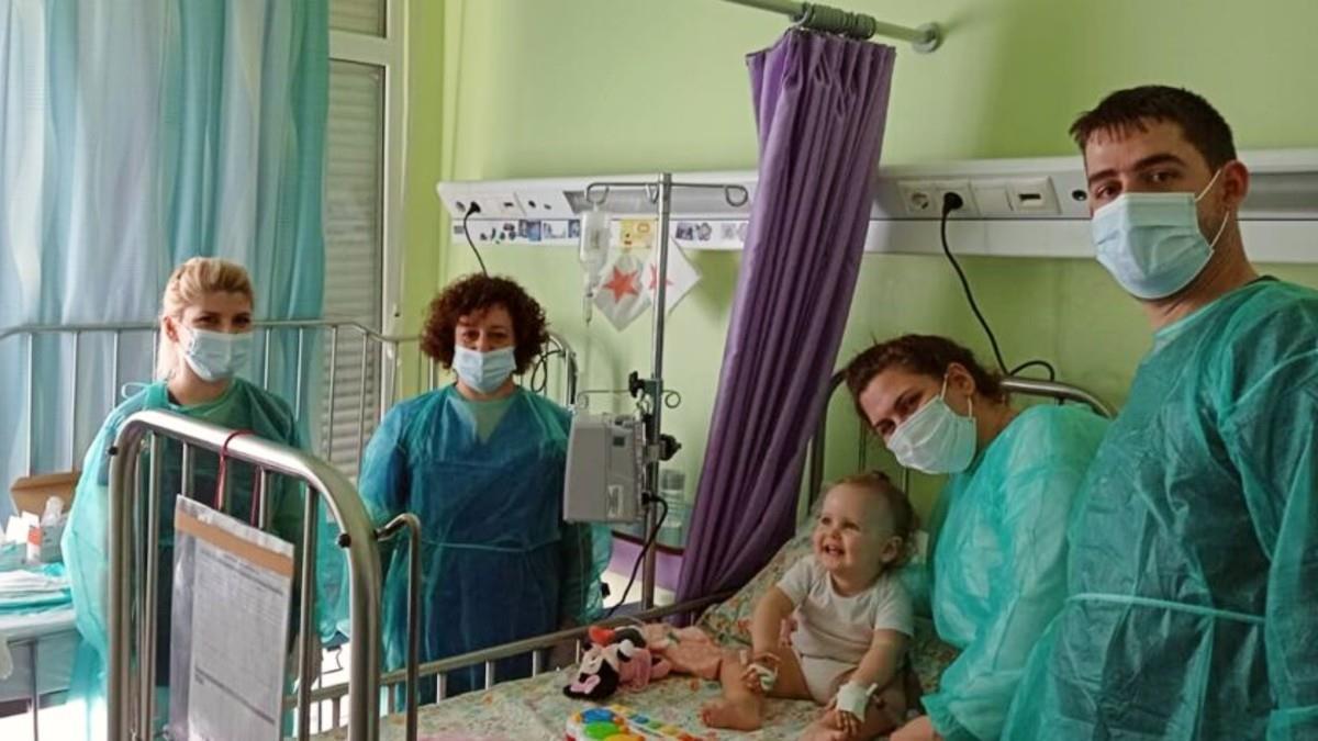 H μικρή Άννα-Ιωάννα έλαβε την γονιδιακή θεραπεία που θα της επιτρέψει να έχει μια καλύτερη ζωή