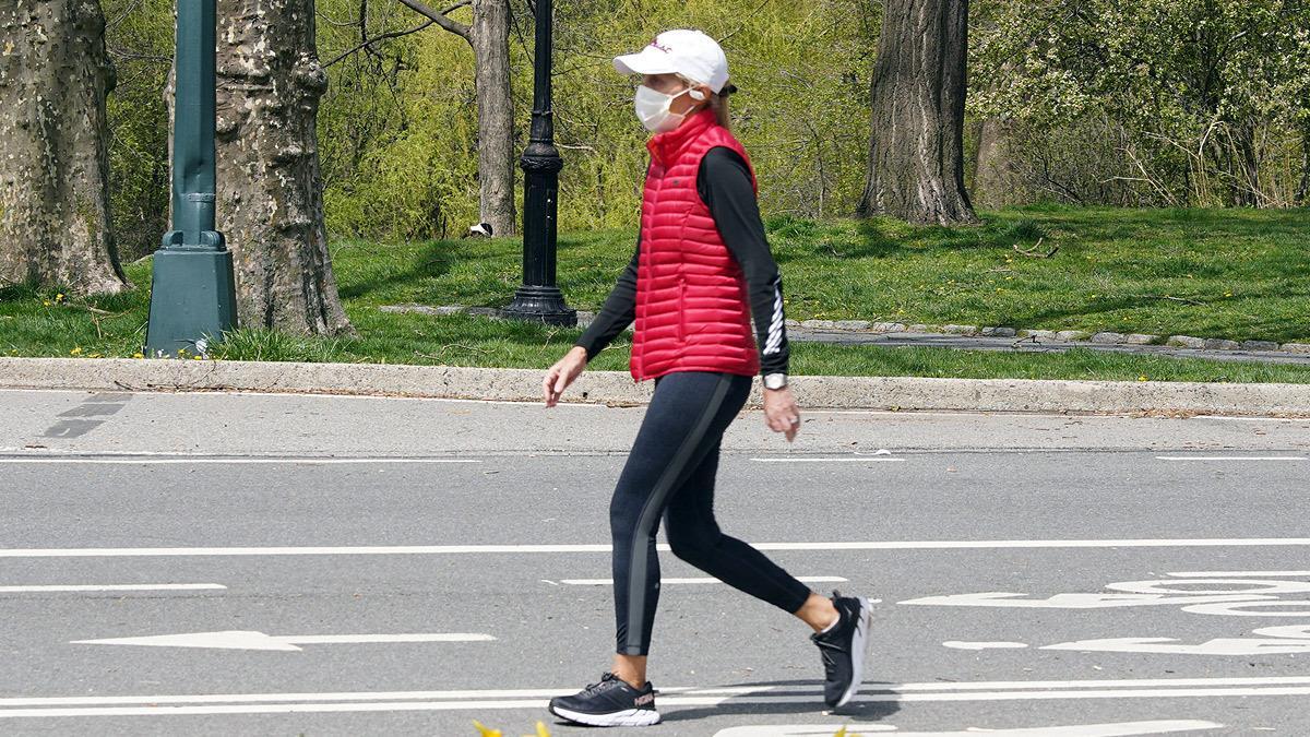 Πώς να χάσω κιλά με το περπάτημα στην καραντίνα