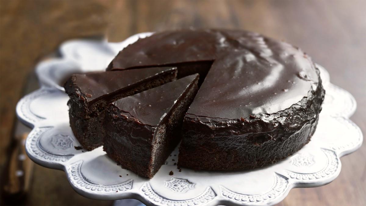 Σοκολατόπιτα: το γλυκό που θα φτιάξει την ψυχολογία σας!