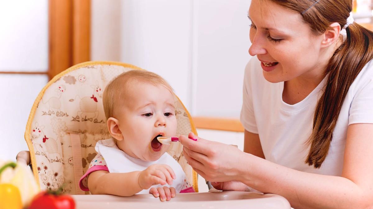 «Η αγάπη περνάει απ' το στομάχι» και στη σχέση της μαμάς με το μωρό!