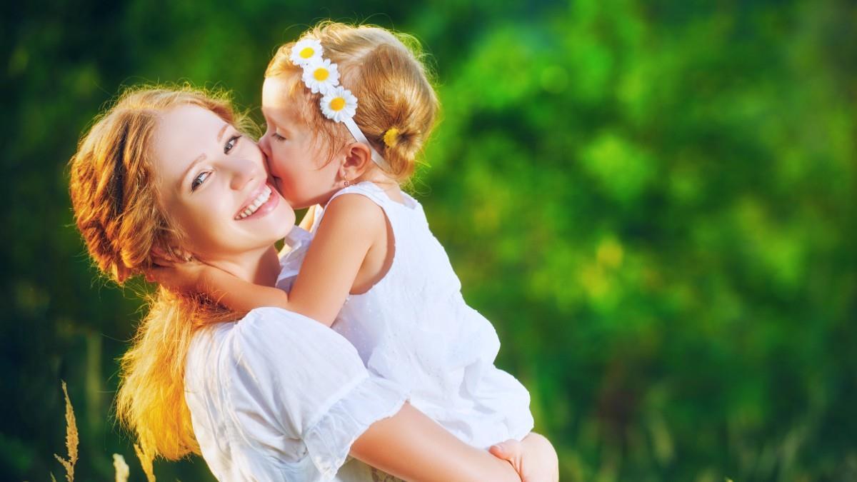 8 ατράνταχτες αποδείξεις ότι το παιδί σας έχει την καλύτερη νονά του κόσμου