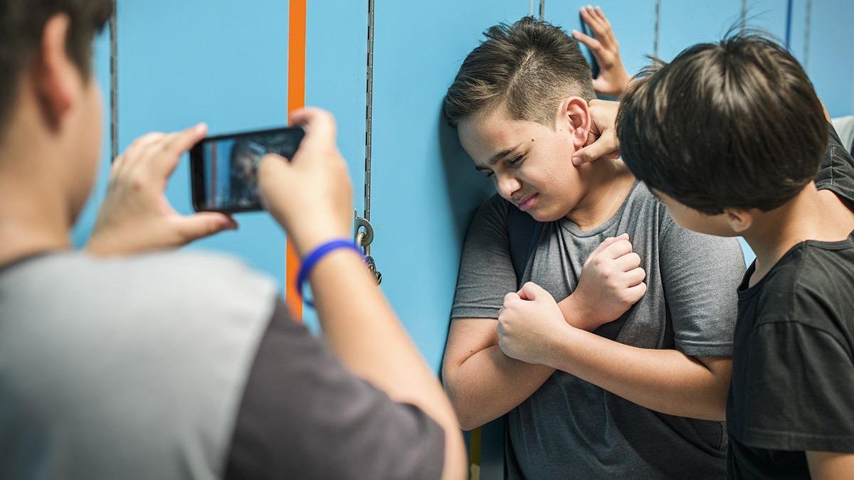Mαμά υπερασπίζεται τον γιο της που έδειρε το παιδί που του έκανε bullying