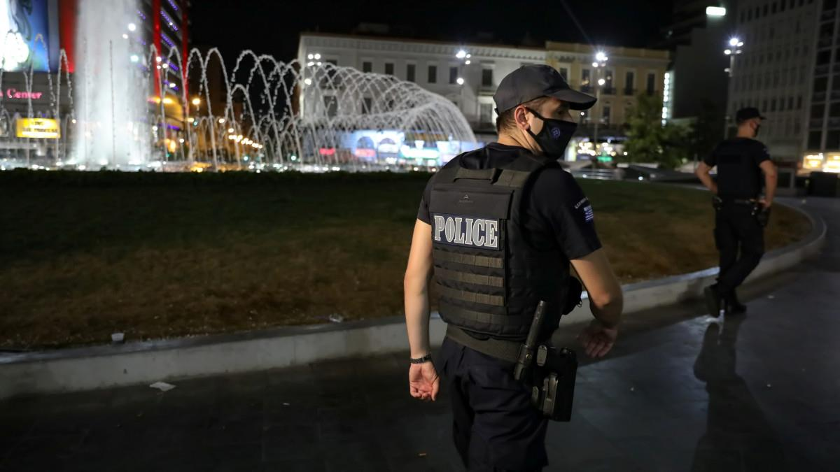 Βατόπουλος: Θα παραμείνει η απαγόρευση κυκλοφορίας τη νύχτα