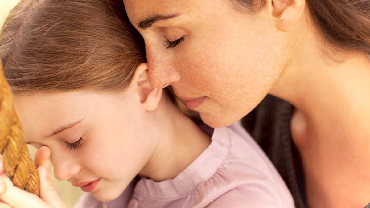 Το ένστικτο της μάνας είναι τόσο δυνατό που βλέπει τον κίνδυνο πριν απ' τους γιατρούς