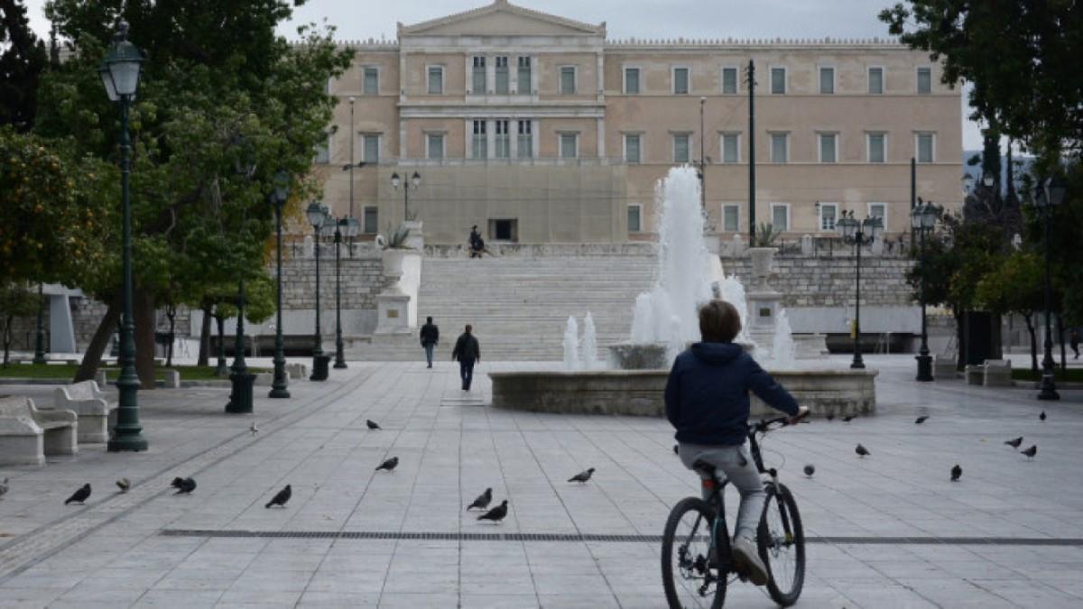 Βατόπουλος: Στο lockdown, πρέπει να ελέγχεται το πόσες ώρες κυκλοφορούμε έξω