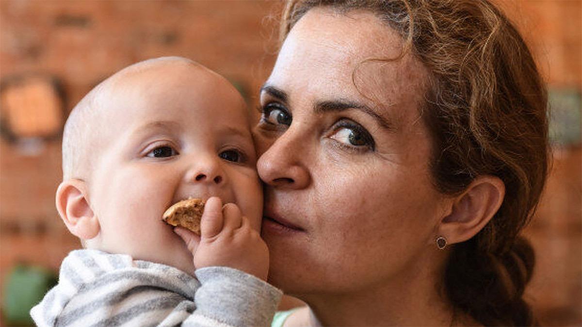 «Την κόρη μου δεν την νοιάζει που είμαι μεγάλη μαμά, εσείς γιατί ασχολείστε;»