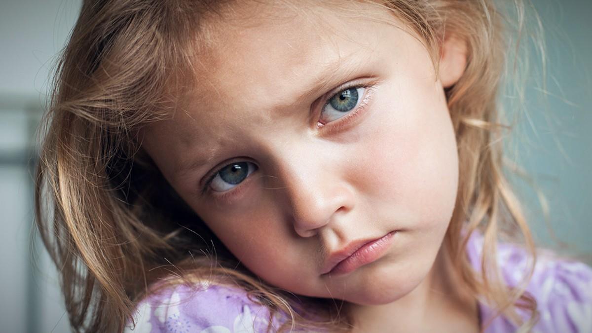 Γονείς, μη στερείτε τους νονούς απ' το παιδί επειδή έχετε τσακωθεί (είναι εγωιστικό)