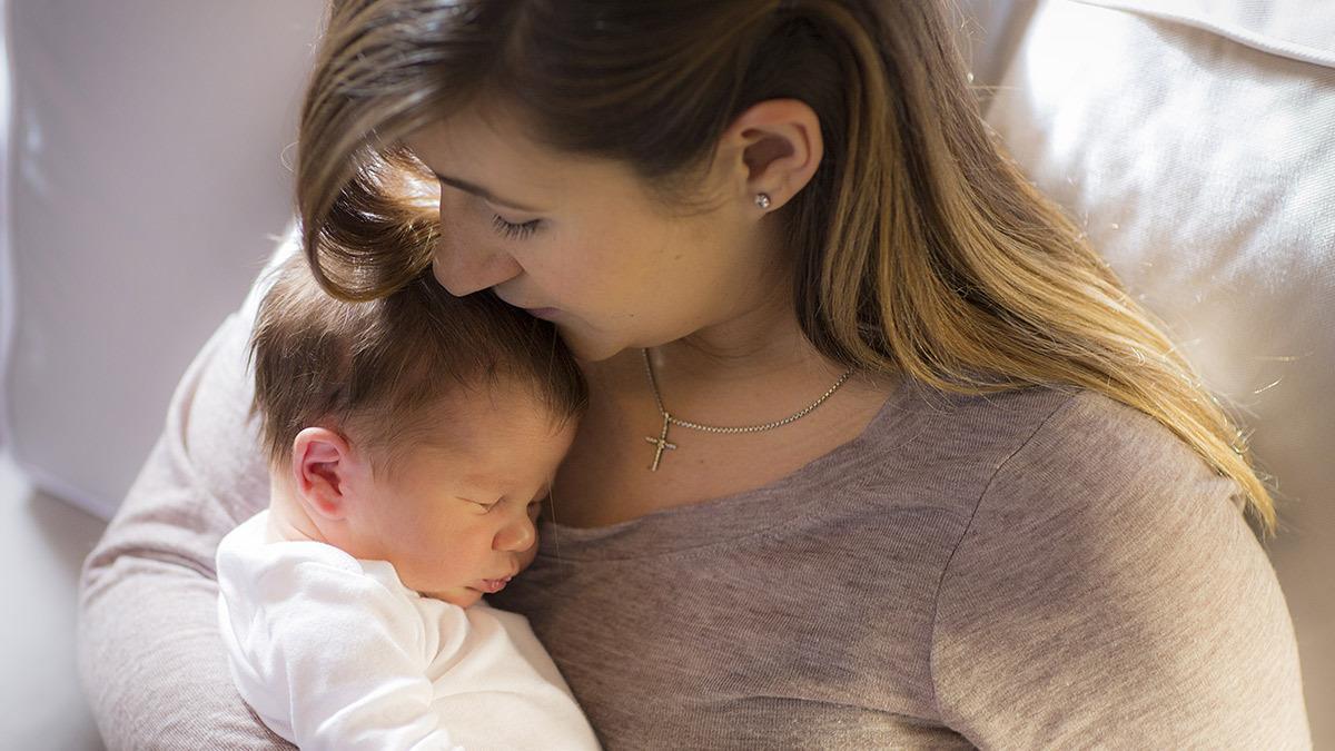 «Κοιμήστε το μωρό στην αγκαλιά σας τώρα που μπορείτε και μην ακούτε κανέναν»