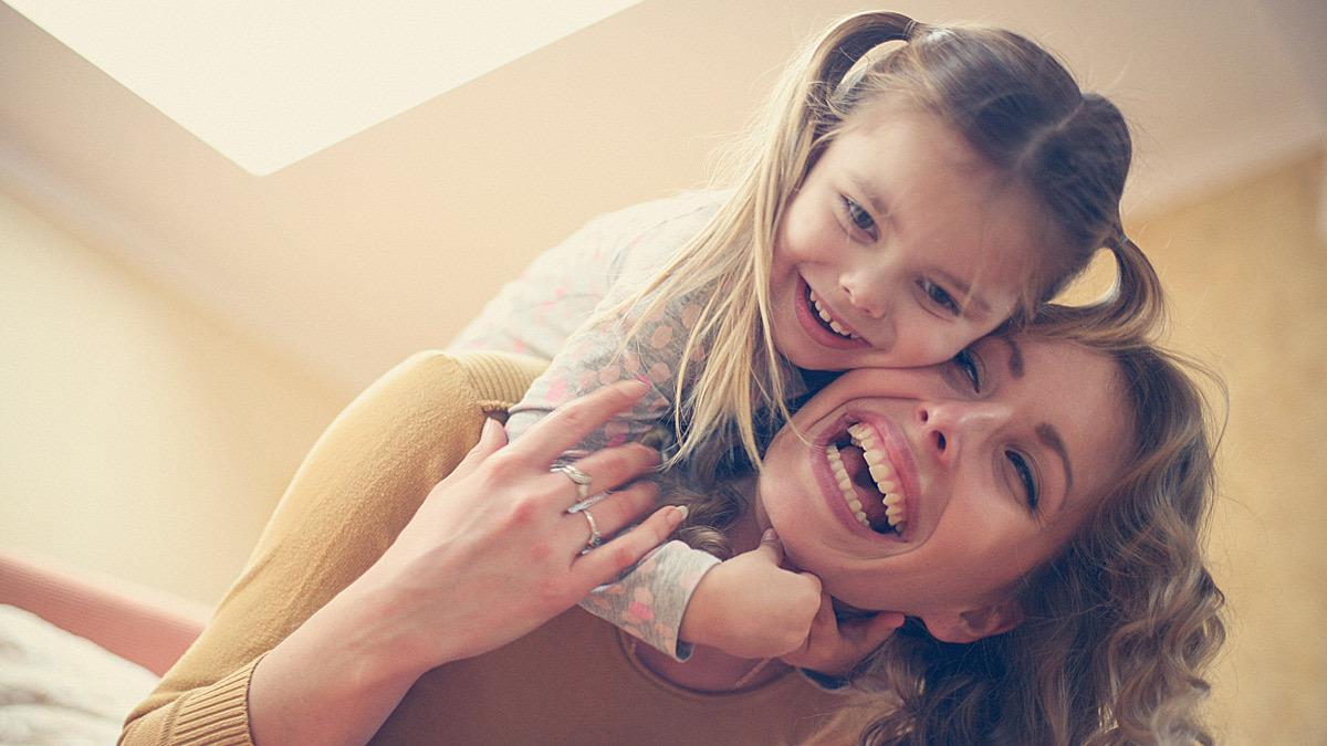 Τα 4 στάδια που περνάει κάθε σχέση μαμάς - κόρης