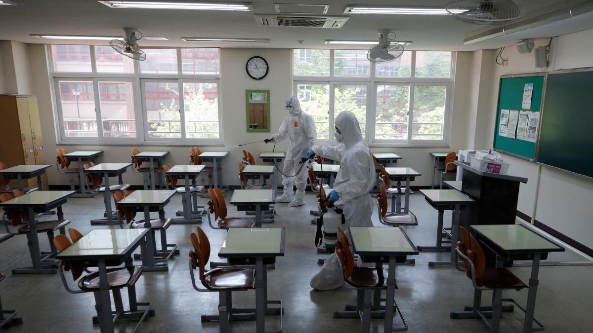 Μαθητές στην Ελβετία παραποίησαν τα τεστ κορονοϊού για να γλυτώσουν μάθημα