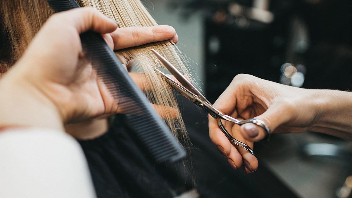 Πόσο συχνά πρέπει να κουρεύεστε ανάλογα με τον τύπο μαλλιών σας