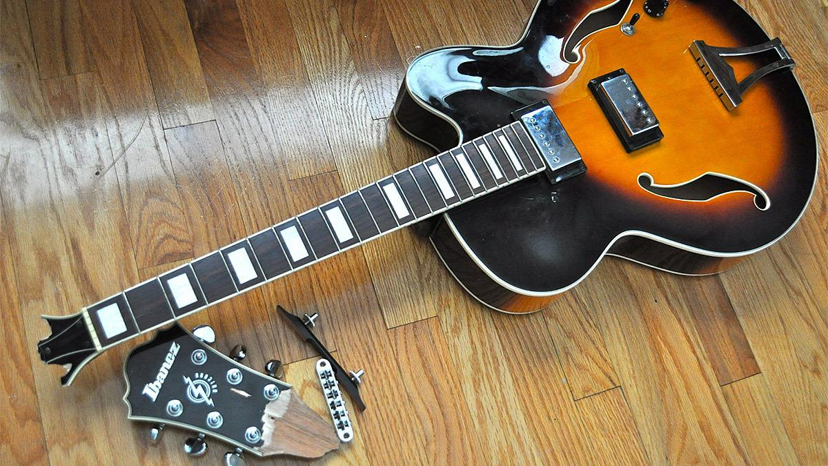 Mπαμπάς ζητά από την νταντά να πληρώσει €2000 για κιθάρα που έσπασε η κόρη του