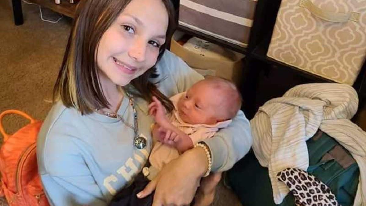 11χρονη ξεγέννησε την μητέρα της στο σπίτι όσο περίμεναν το ασθενοφόρο