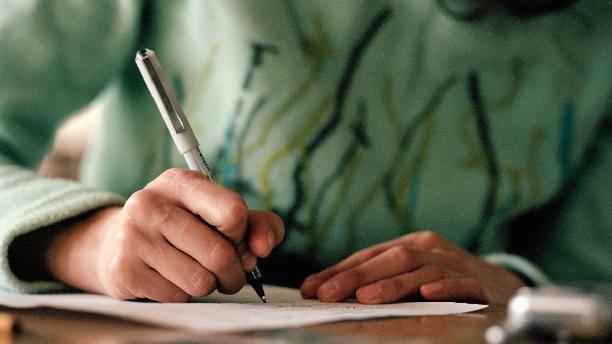 Κύπρος: έπιασαν μαμά να γράφει εξετάσεις στη θέση της κόρης της