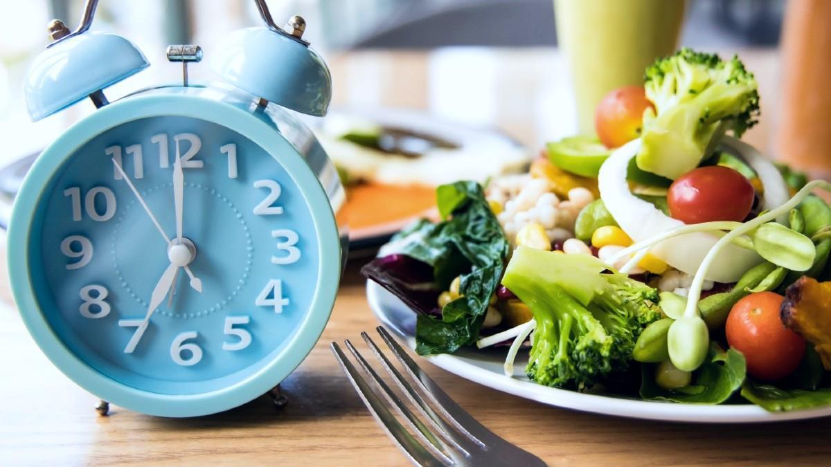 Είναι η διαλειμματική δίαιτα η λύση για να χάσουμε κιλά;