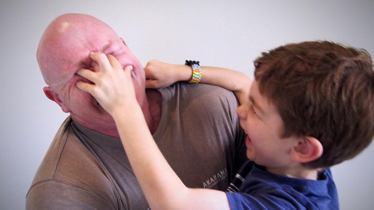 Πώς γλύτωσε ο 8χρονος γιος μου την απαγωγή χάρη σε 5 απλές γνώσεις αυτοάμυνας