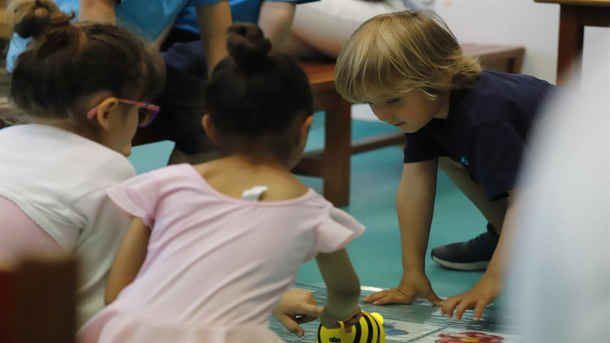74 μαθητές νηπιαγωγείου θα κάνουν μάθημα σε κοντέινερ αντί για σχολικές αίθουσες