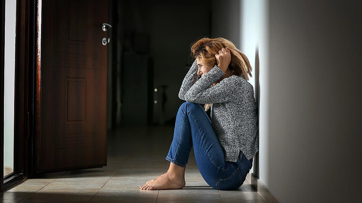 «Πνίγομαι, δεν αναπνέω!»: Πολύτιμες συμβουλές ειδικών για τις κρίσεις πανικού