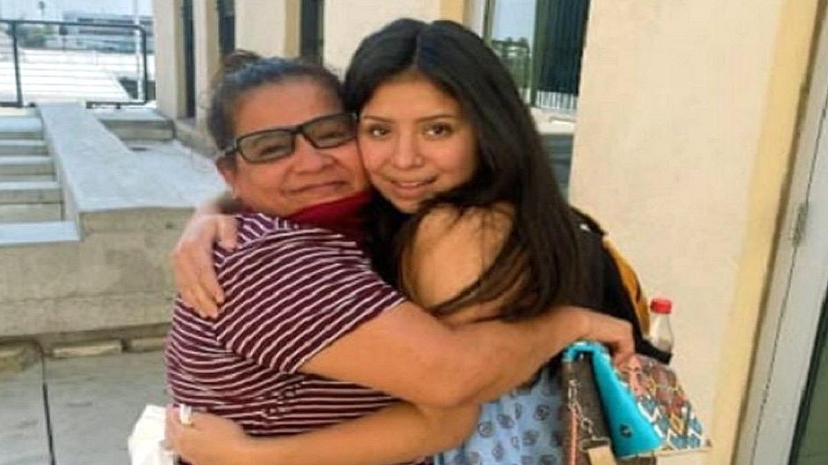 Μαμά αγκάλιασε ξανά την κόρη της 14 χρόνια μετά την απαγωγή της σε ηλικία 6 χρονών