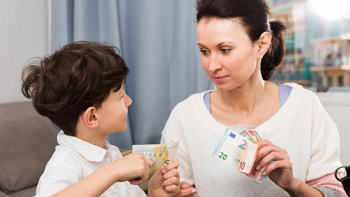 Mαμά δίνει στον 7χρονο γιο της 6 ευρώ την εβδομάδα για να στρώνει το κρεβάτι του
