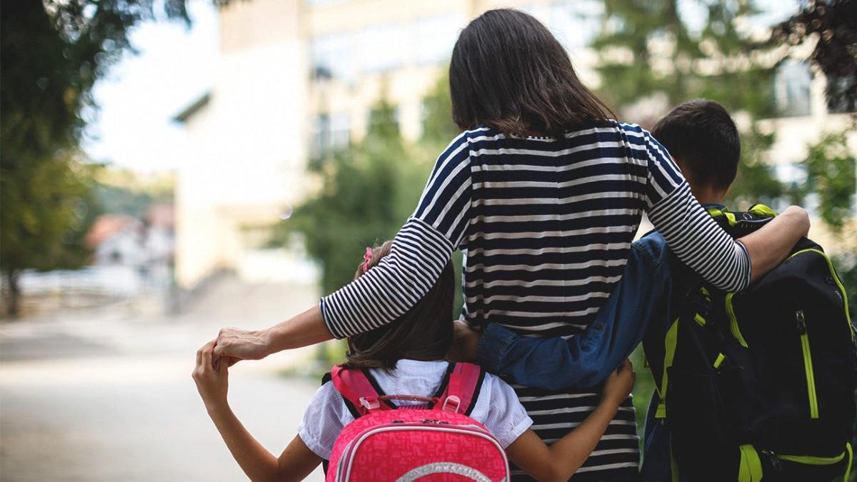 Χαίρομαι που άνοιξαν τα σχολεία, αλλά μου λείπουν πολύ τα παιδιά μου