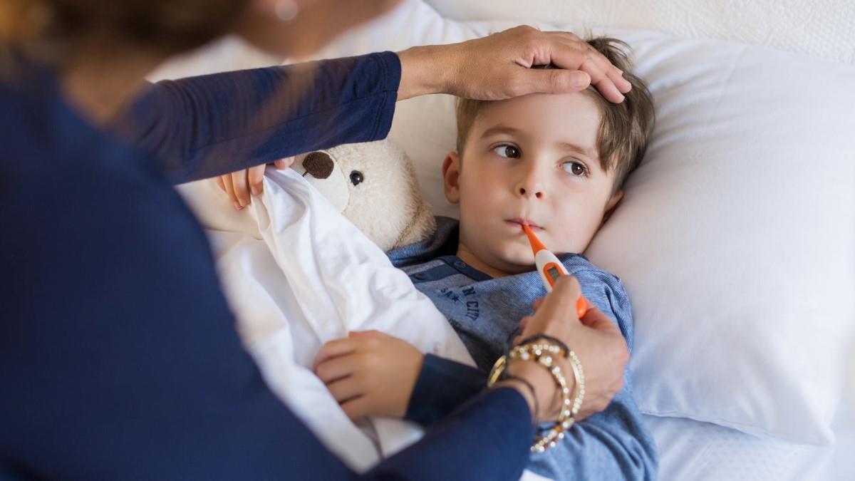 Παιδίατρος: τι πρέπει να κάνουμε για να μην έχουμε συνέχεια τα παιδιά άρρωστα