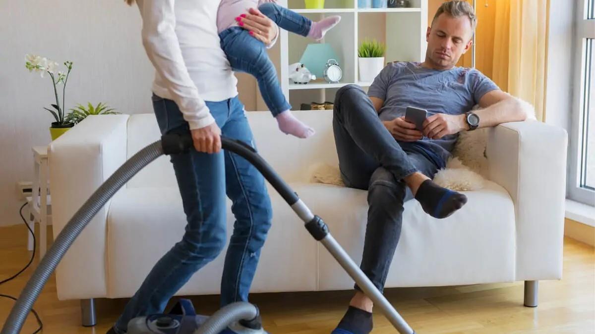 Αντί για σύντροφος έχετε γίνει η μαμά του; 5 προειδοποιητικά σημάδια